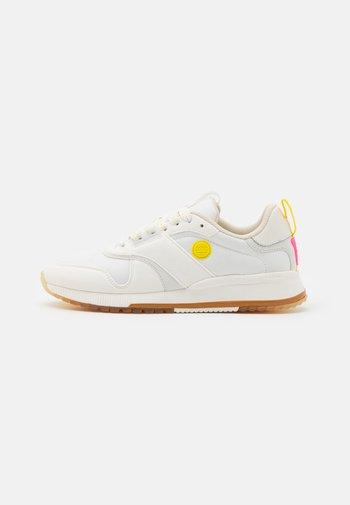 VIVI  - Sneakers laag - weiß