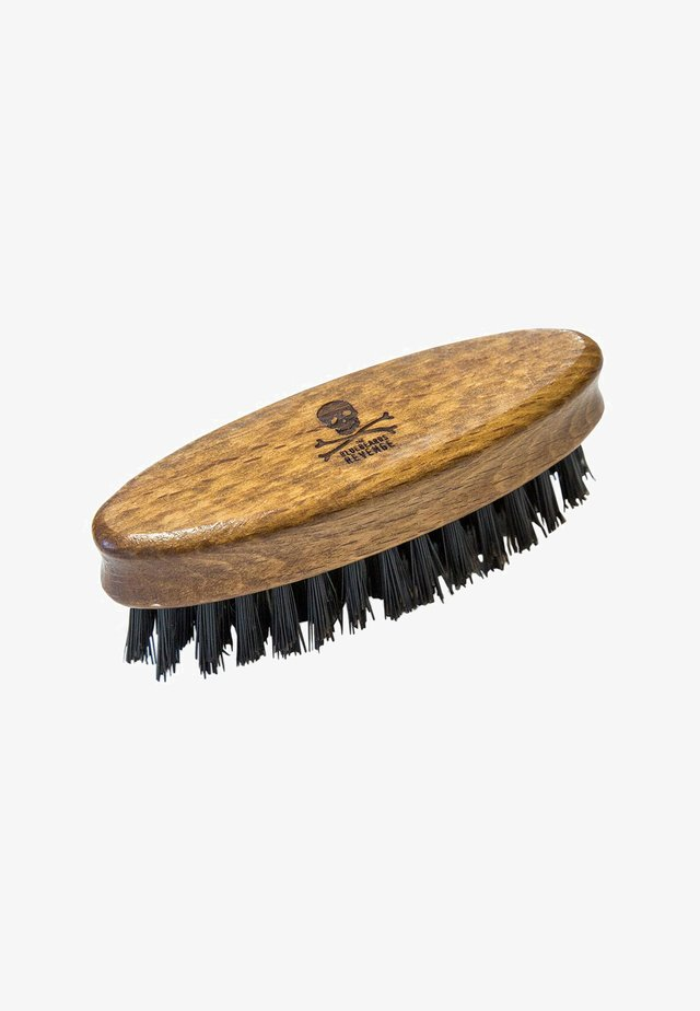 SYNTHETIC TRAVEL BEARD BRUSH - Brush - brush