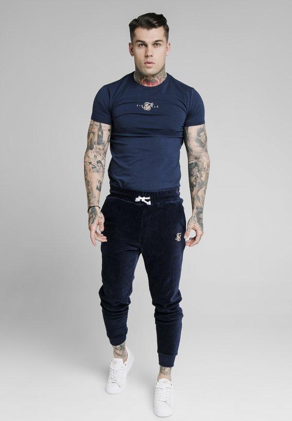 SIKSILK ALLURE STRAIGHT HEM GYM TEE - T-shirt z nadrukiem - navy/granatowy Odzież Męska JLGK
