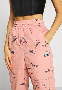 adidas Originals - TRACK PANT - Spodnie treningowe - trace pink - 4