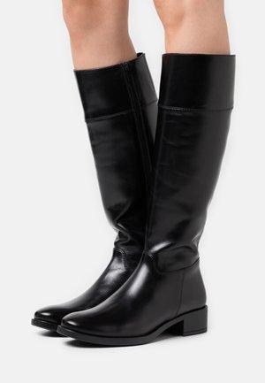 ENERIZ - Vysoká obuv - black