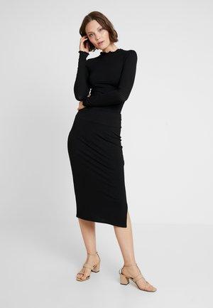 CARLY LETTUCE SET - Pouzdrová sukně - black