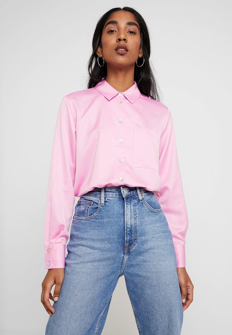 Miss Selfridge - BUBBLEGUM - Button-down blouse - pink
