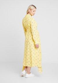 IVY & OAK Maternity - MATERNITY DRESS - Skjortekjole - sunshine - 3