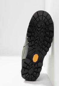 Haglöfs - VERTIGO PROOF ECO - Hiking shoes - lite beluga - 4