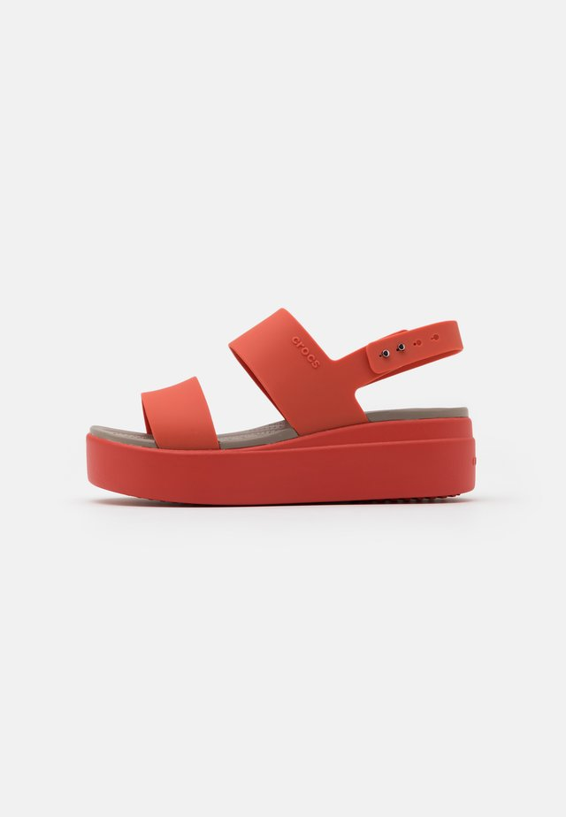 BROOKLYN LOW WEDGE - Sandalias con plataforma - spicy orange