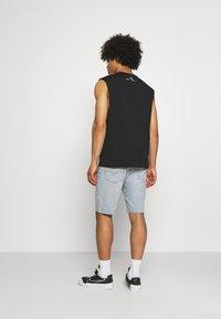 Levi's® - 405 STANDARD  - Shorts di jeans - punch line philosophers cloud - 2
