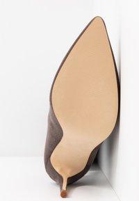 Steve Madden - DOMINIQUE - High Heel Stiefel - dark grey - 6