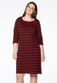 Yoek - Day dress - red - 0