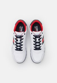 Tommy Jeans - LIFESTYLE  RUNNER - Trainers - white - 3