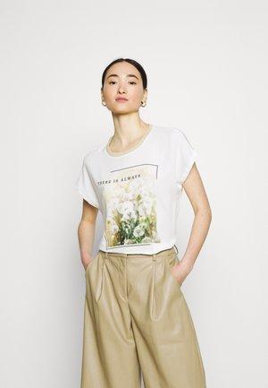 ONLRHINA LIFE FLOWER - T-shirts med print - bright white