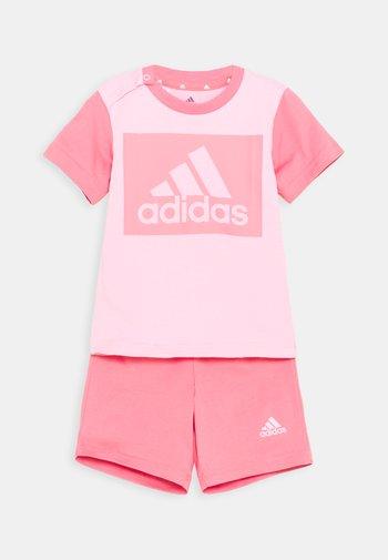 SET  - Pantaloncini sportivi - light pink/hazy rose