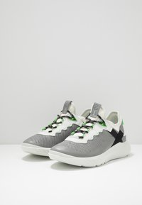 ECCO - ST.1 LITE - Sneakersy niskie - wild/white - 6