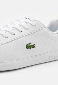 Lacoste - GRADUATE - Sneakers - white/dark green - 5