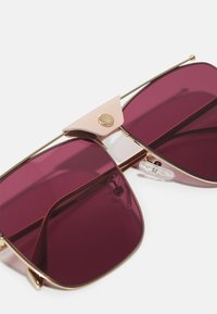Alexander McQueen - UNISEX - Sunglasses - gold-coloured/violet - 3