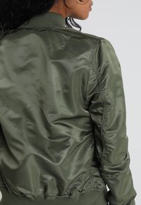 Alpha Industries - Bomber Jacket - sage green/gold - 4