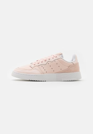 SUPER COURT SPORTS INSPIRED SHOES UNISEX - Trainers - pink tint/footwear white