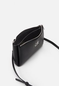 Calvin Klein - XBODY ZIP - Taška spříčným popruhem - black - 2