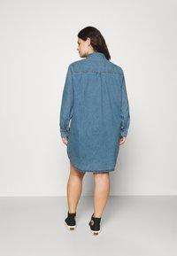 Tommy Jeans Curve - SHIRT DRESS - Denim dress - denim medium - 2