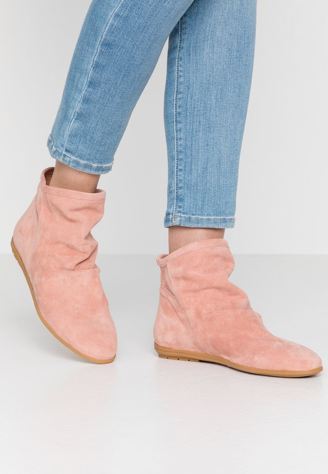 Ankle boot - powder