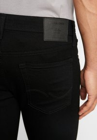 Jack & Jones - JJILIAM JJORIGINAL  - Slim fit jeans - black - 3