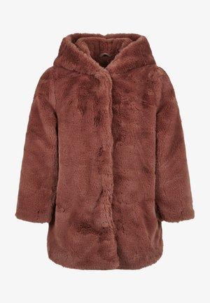 Abrigo de invierno - darkrose