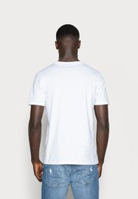 Jack & Jones - Basic T-shirt - white - 2