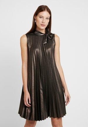 Robe d'été - bronze