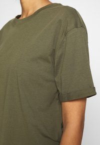 Even&Odd - Basic T-shirt - olive night - 5