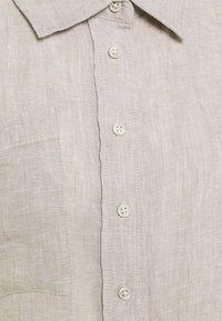 Gina Tricot - WELLIE LINEN SHIRT - Skjorte - beige - 2