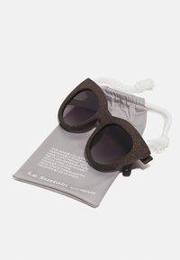 Le Specs - AIR - Sluneční brýle - midnight grass - 2