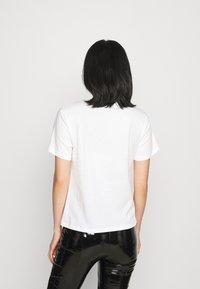 Patrizia Pepe - T-shirt imprimé - bianco - 2