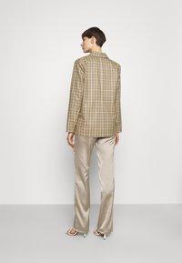 4th & Reckless - CHANCE  - Krátký kabát - beige - 2