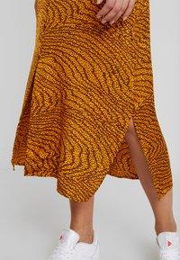 Levete Room - GHITA  - Košilové šaty - sudan brown - 5