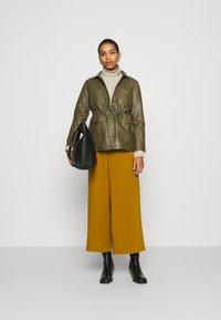 Soft Rebels - SRMATHILDA JACKET - Leather jacket - dark olive - 1