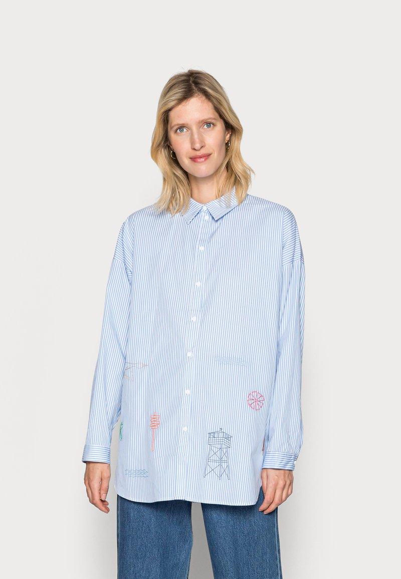 Résumé - GREY SHIRT - Button-down blouse - sky