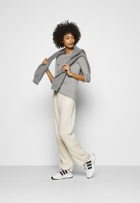 Tommy Hilfiger - BOAT NECK TEE 3/4 - Long sleeved top - grey - 1