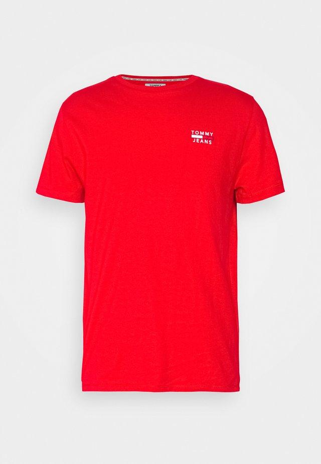 CHEST LOGO TEE - Print T-shirt - deep crimson
