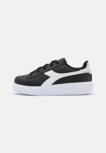 GAME STEP UNISEX - Sports shoes - black/white