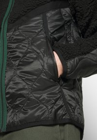 Nike Sportswear - WINTER - Winter jacket - black/pro green - 5