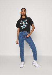 JDY - JDYNINA LIFE  - T-shirt con stampa - black - 1