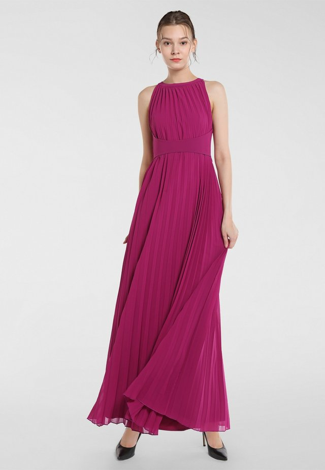 Occasion wear - beere