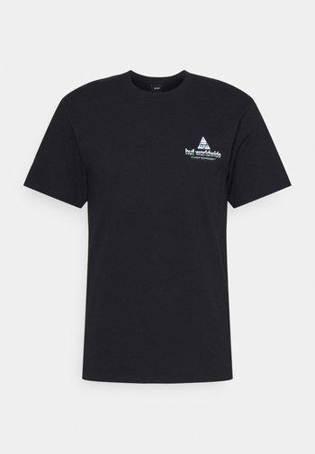 PEAK TECH TEE - Print T-shirt - black
