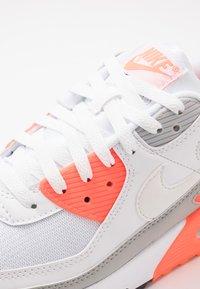 Nike Sportswear - AIR MAX 90 - Trainers - white/hyper orange/light smoke grey - 5