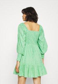 Lace & Beads - CAYLEE DRESS - Koktejlové šaty/ šaty na párty - green - 2