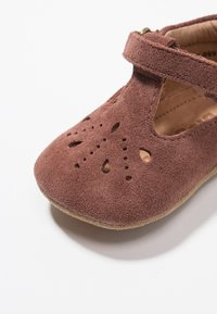 Bisgaard - BLOOM HOME SHOE - First shoes - plume - 2