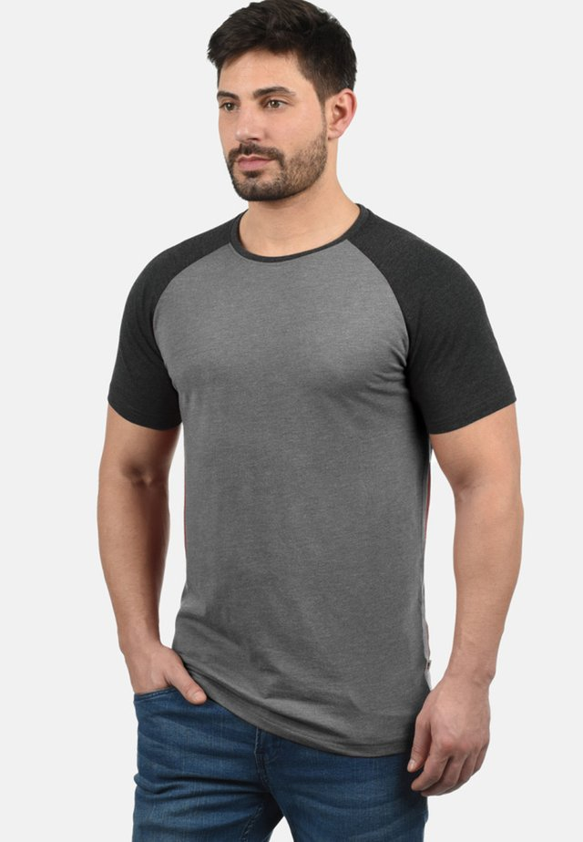 RUNDHALSSHIRT BASTIAN - Basic T-shirt - grey melange