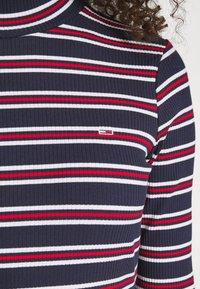 Tommy Jeans - STRIPE DRESS - Sukienka z dżerseju - twilight navy - 4