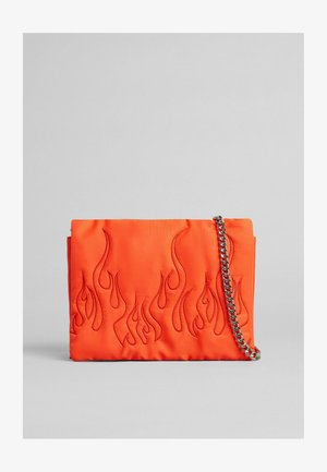 GROSSE KUVERT MIT - Across body bag - orange