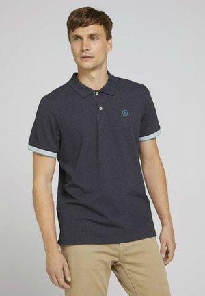MIT KRAGENDETAIL - Polo shirt - sky captain blue white melange
